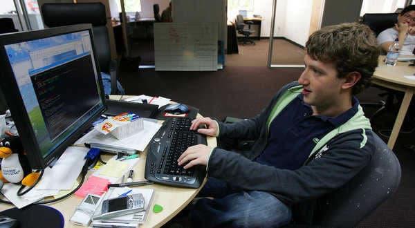 mark zuckerberg built facebook